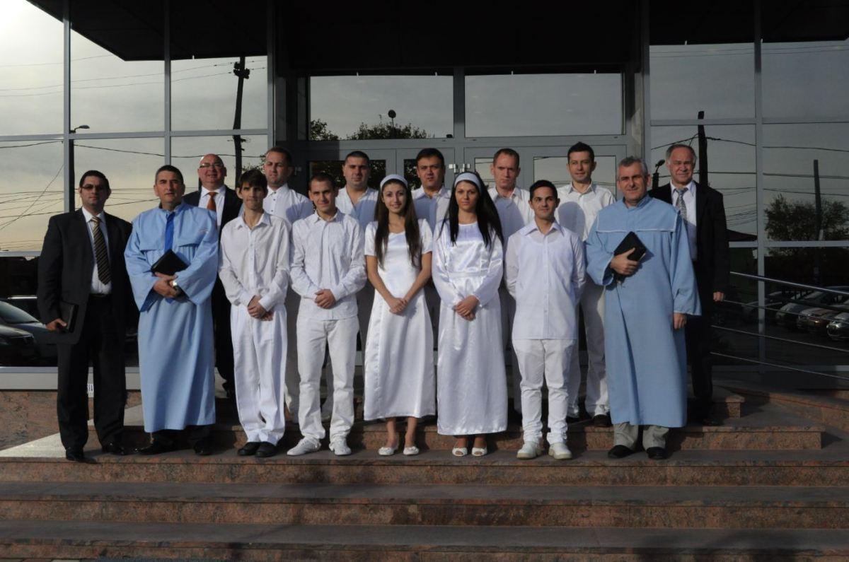 """Fotografii botez biserica penticostală """"Micălaca"""" Arad 11 noiembrie 2012"""