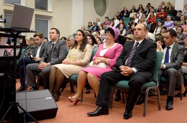 """Ordinare în comunitatea penticostală """"Betania"""" Arad (foto)"""