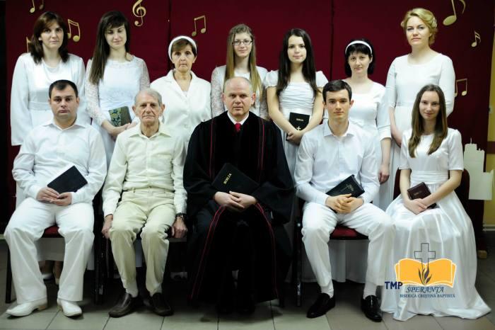 """Fotografii botez în apă biserica creştină baptistă """"Speranţa"""" Arad 16 martie 2014"""