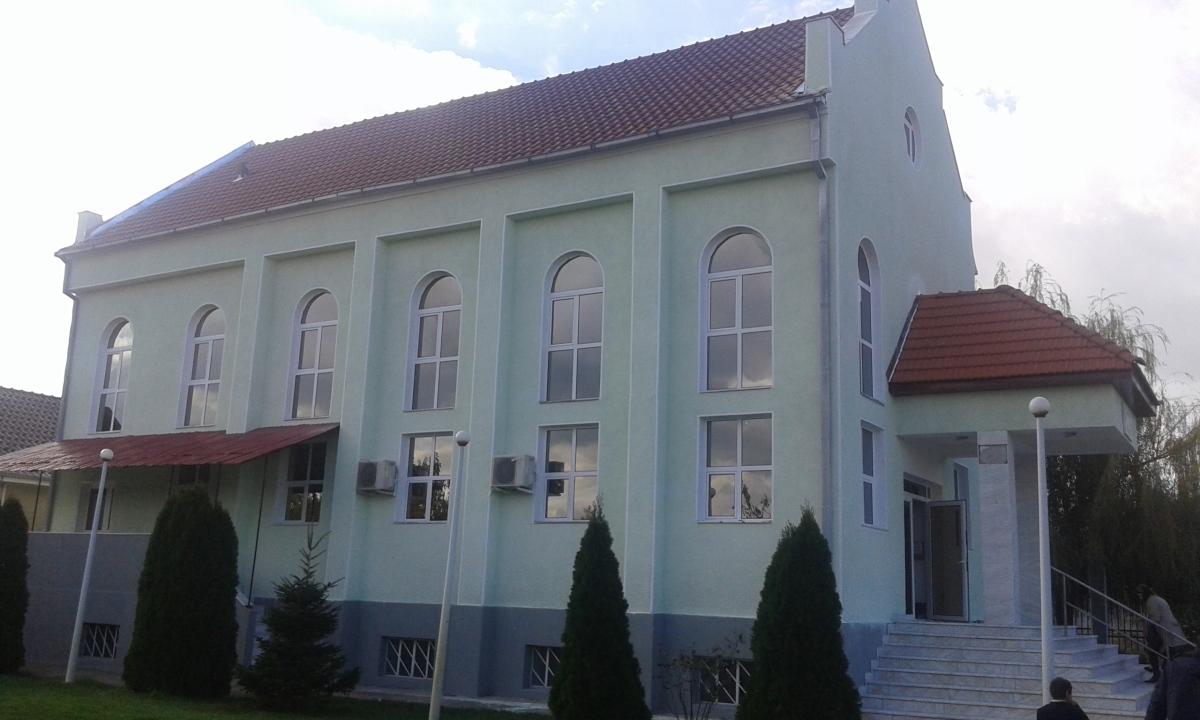 """Botez în apă la Biserica Creștină Penticostală """"Gloria"""" Chereluș, Arad (2017)"""